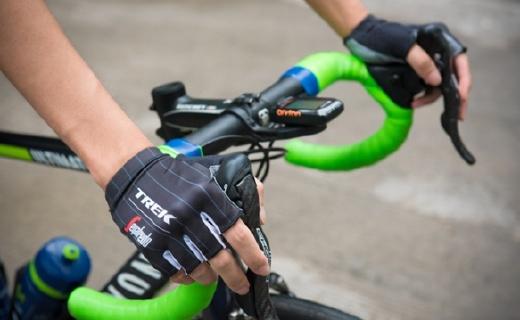 TREK騎行手套,頂級車隊的裝備減震極佳