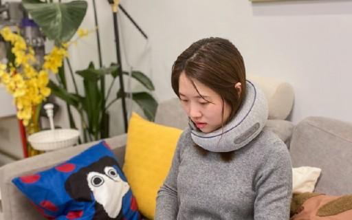拯救低头族的颈椎按摩器:佩戴方便按摩爽,工作使用无负担!