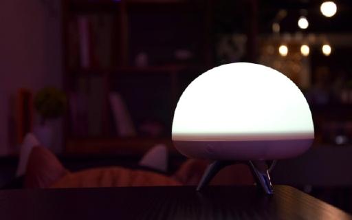 """七彩霓虹的背后是贴心的监测-会""""呼吸""""的小白微信智能灯体验"""