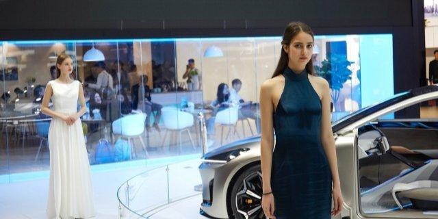 上海車展 | 最美車……車模圖賞:蘿莉、性感哪個是你的菜?