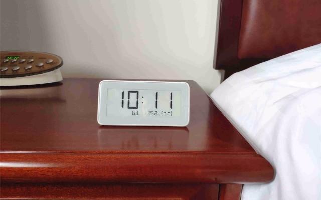 颜值颇高、精准监测、知冷暖懂干湿的米家温湿监测电子表