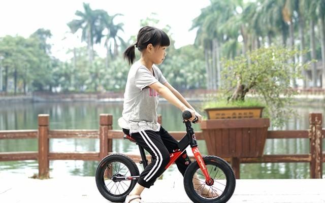 儿童骑行成长好伴侣,MINIPY儿童平衡车体验