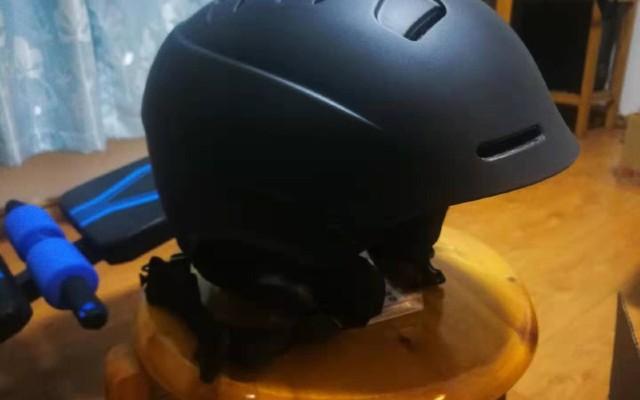 蓝牙滑雪头盔上手体验
