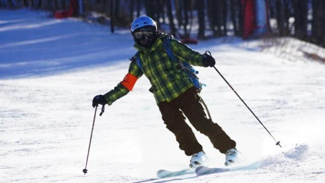 """滑雪不戴雪镜等于""""瞎?#20445;?项功能帮你找到属于你的滑雪镜"""