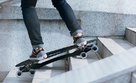 避震超強的八輪滑板車,下樓梯簡直太easy!