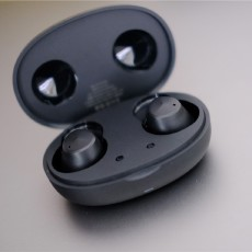 JEET Air2真無線藍牙耳機:迷你小巧也舒適,睡前佩戴入