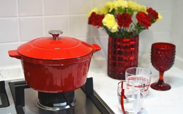 一口好锅轻轻松松做出完美年夜饭,拉开红红火火中国年菜序幕——VELOSAN珐琅锅