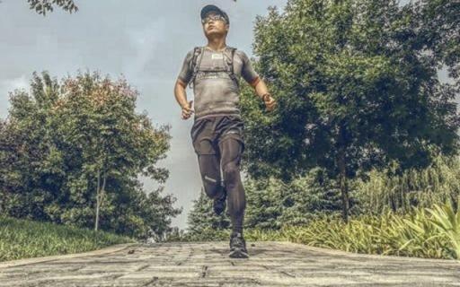 上脚舒适抓地力强,国产跑鞋也不输国外大牌 — 必迈 42K运动跑鞋万博体育max下载   视频