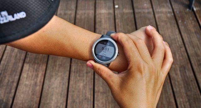 上班族的福音:一款清新时尚的运动户外手表,轻松应对都市运动
