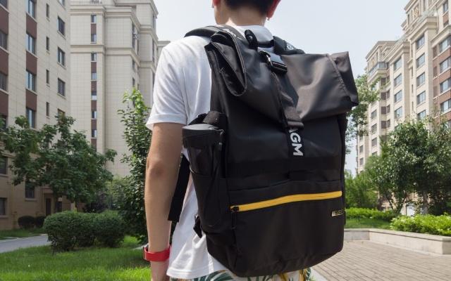 彈性收納空間的高顏值背包,AGM黑盾雙肩包