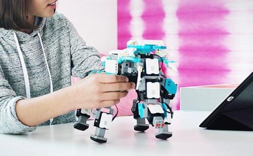 优必选发明家遥控机器人:兼容乐高积木,可拼装多种形态