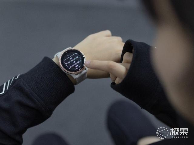 真香预警!GarminAMOLED屏智能手表来了!颜值和实力二合一!