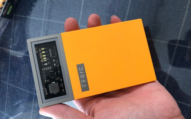 TEGIC 冰格透視移動電源試用報告