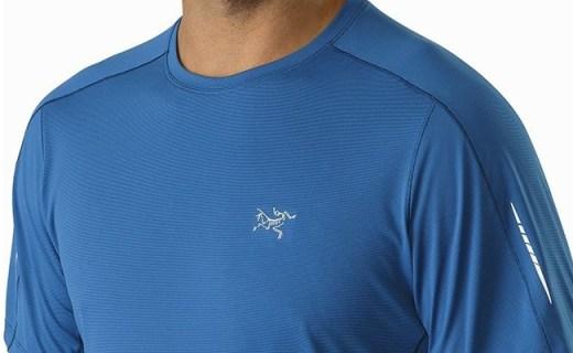 始祖鸟圆领T恤:出色透气性能,体温调节,舒适剪裁
