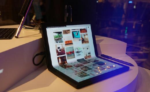 「CES 2020」联想折叠屏电脑将开卖!售价2499美元,经过30000次折叠测试