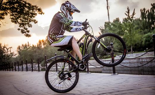 续航120公里电单车,智能助力上坡一样骑得爽