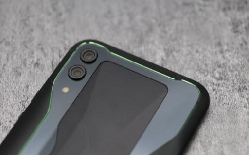 """黑鲨游戏手机2全面上手!""""浸泡式?#32972;约?#30495;来了…"""