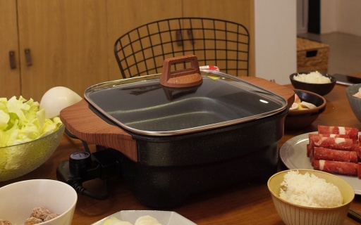 烹炒煎炸样样通,厨房小白也能化身烹?#30475;?#24072; — 圈厨多功能家用电火锅体验 | 视频