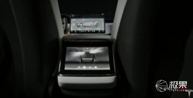 特斯拉变态「性能怪兽」ModelS交付!零百加速2.1秒,车里还装配了PS5…