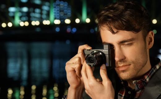 索尼RX100卡片相機:蔡司T*鏡頭細節滿滿,超輕機身握感舒適
