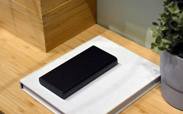 小米充电宝:没有充电线也能给手机充电?