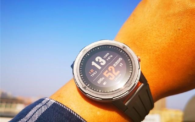 手腕上的健身私教,戴上咕咚X3,和1.7億跑友一起跑步!