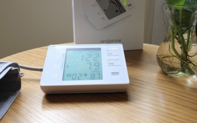 方便實用的九安電子血壓計體驗