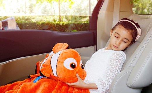 Zoobies出游多用毯:多种呆萌卡通人物款式,可作抱枕和保温毯