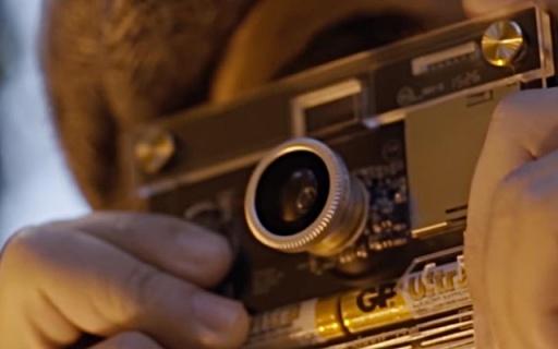 全透明外壳的相机,薄如卡片还能换镜头!
