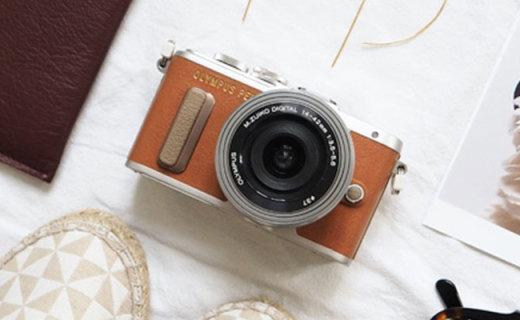 奧林巴斯E-PL8相機:1600萬像素14種濾鏡,觸摸翻轉屏方便自拍