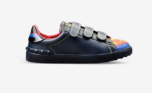 蝙蝠俠超人蜘蛛俠穿腳上,Valentino聯名鞋來了