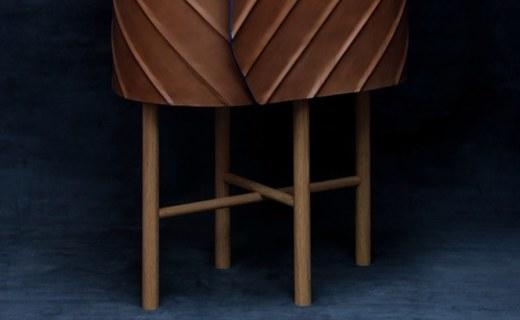 设计师打造皮革橱柜,外型酷似钱包!