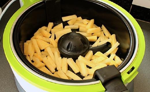 鉑富VDF122空氣炸鍋:旋轉傾斜功能加熱更均勻,不粘涂層易清洗
