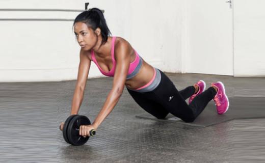 迪卡儂健腹輪:無噪音滾輪滑順更舒適,輔助鍛煉全身肌肉