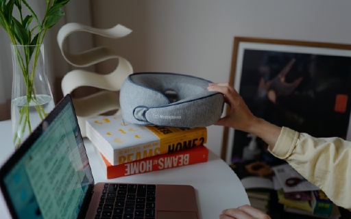 堪比按摩师手法的颈椎枕,小巧便携又护颈,一台在手幸福全家!