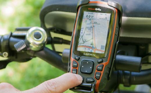 佳明GPSMAP 64手持GPS:户外旗舰款,?#22902;?#32447;强信号迷路也不怕