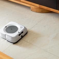 入了這臺iRobot擦地機之后,我扔掉了家里的海綿拖把