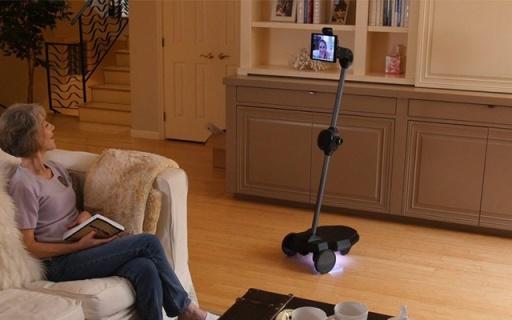 隨時和父母面對面交流!這個機器人幫你做到