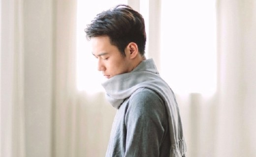網易嚴選羊毛圍巾:純羊毛材質親膚舒適,布料細密防風出色