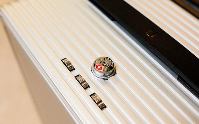 特立而独行,出行利器:TUPLUS途加铝框行李箱体验