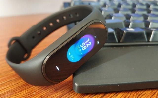 黑加智能手环:一个用了?#22836;?#19981;下的手环!