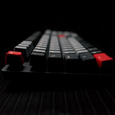 持久耐用不打油,ROG STRIX SCOPE PBT键盘