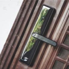 裝上這支指紋鎖,不只是防盜,還能防自己忘帶鑰匙、忘鎖門