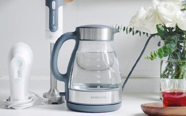 高颜值凯伍德玻璃电水壶,耐高温无异味的居家良品