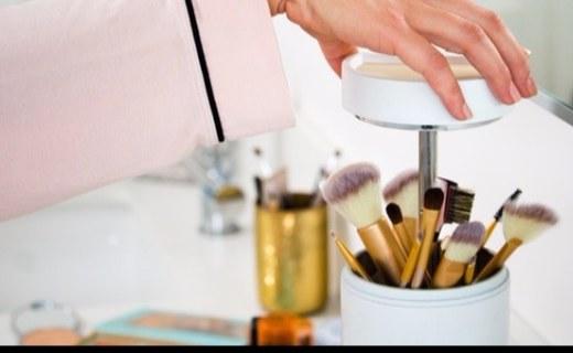 智能收纳盒,无尘存储还能给化妆刷消毒