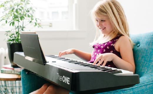 不識譜隨光就能彈,The ONE Light讓你輕松get彈琴新技能