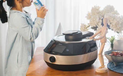 """「體驗」會炒菜的機器人!聰明又用心的""""美廚娘"""",讓媽媽們永遠擺脫油煙味!"""
