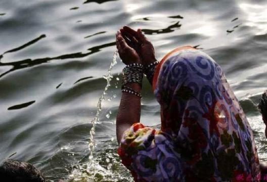 百毒不侵的印度人有多可怕?净饮机都过滤不了恒河水