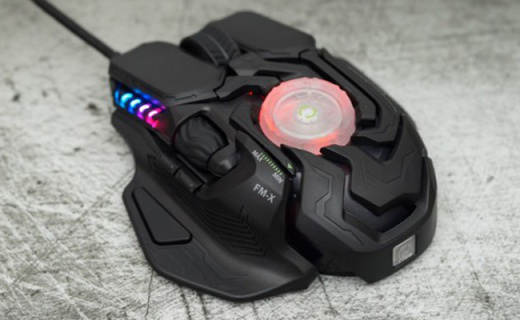 霸气侧漏,可变形机身——富民FM-X战神之瞳游戏鼠标体验!