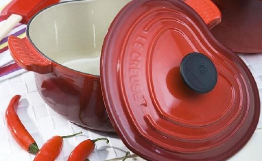 Le Creuset心型鑄鐵鍋,廚房中的LV
